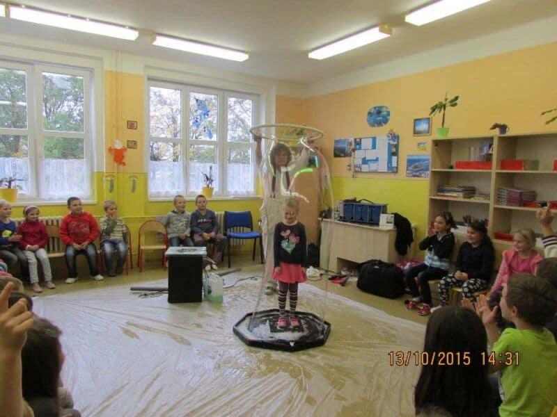 Bublinková šou ve školní družině