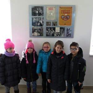 Galerie Žáci 1.Avknihovně a na výstavě