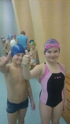 3.B ukončila kurz plavání