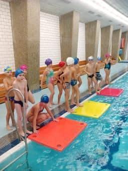 Žáci 2.Aukončili plavecký výcvik