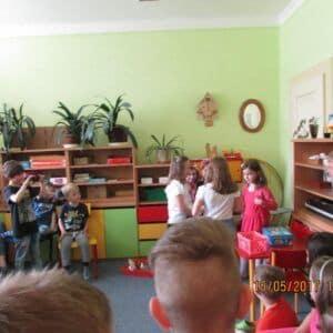 Galerie Besídka ke dni matek ve školní družině
