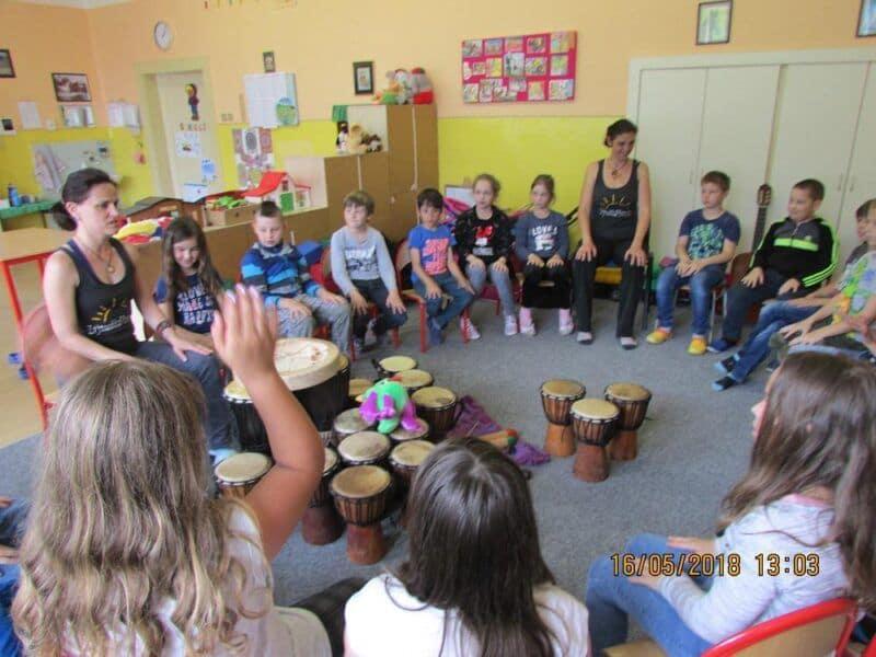 Bubnování ve školní družině