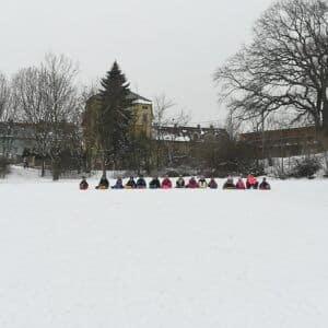Galerie Děti zTovární na sněhu