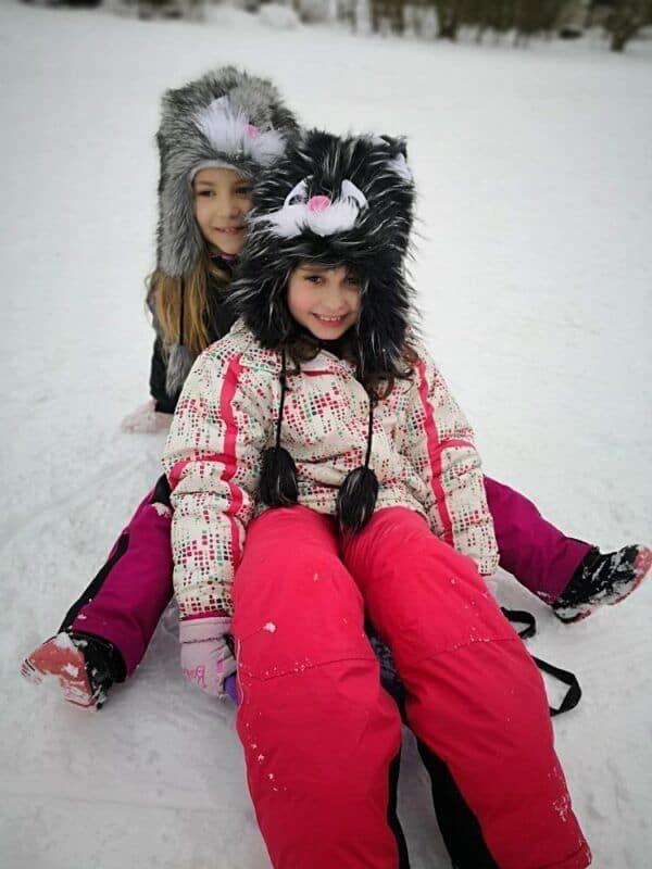 Děti zTovární na sněhu