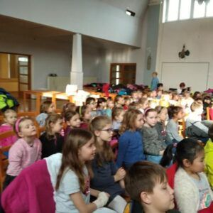 Galerie Prvňáci si užili představení divadla M