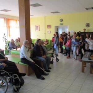 Galerie Den matek vDomově důchodců
