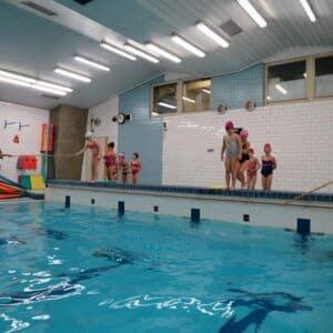 Galerie Druháci ukončili kurz plavání