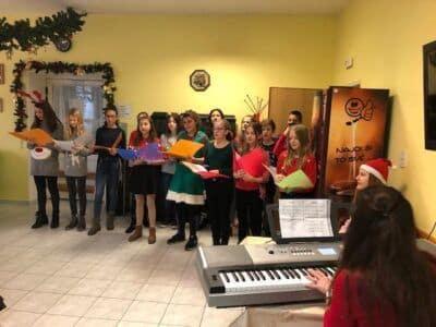 Vánoční vystoupení školního sborečku – Hvězdiček