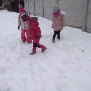"""Galerie """"Stavění ze sněhu"""" ve školní družině"""