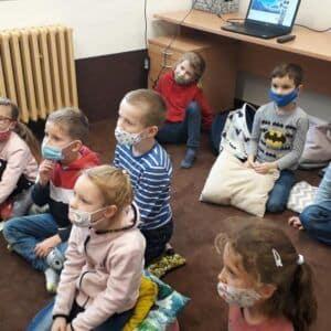 Galerie Lednové vystoupení žáků sloutkovým divadlem